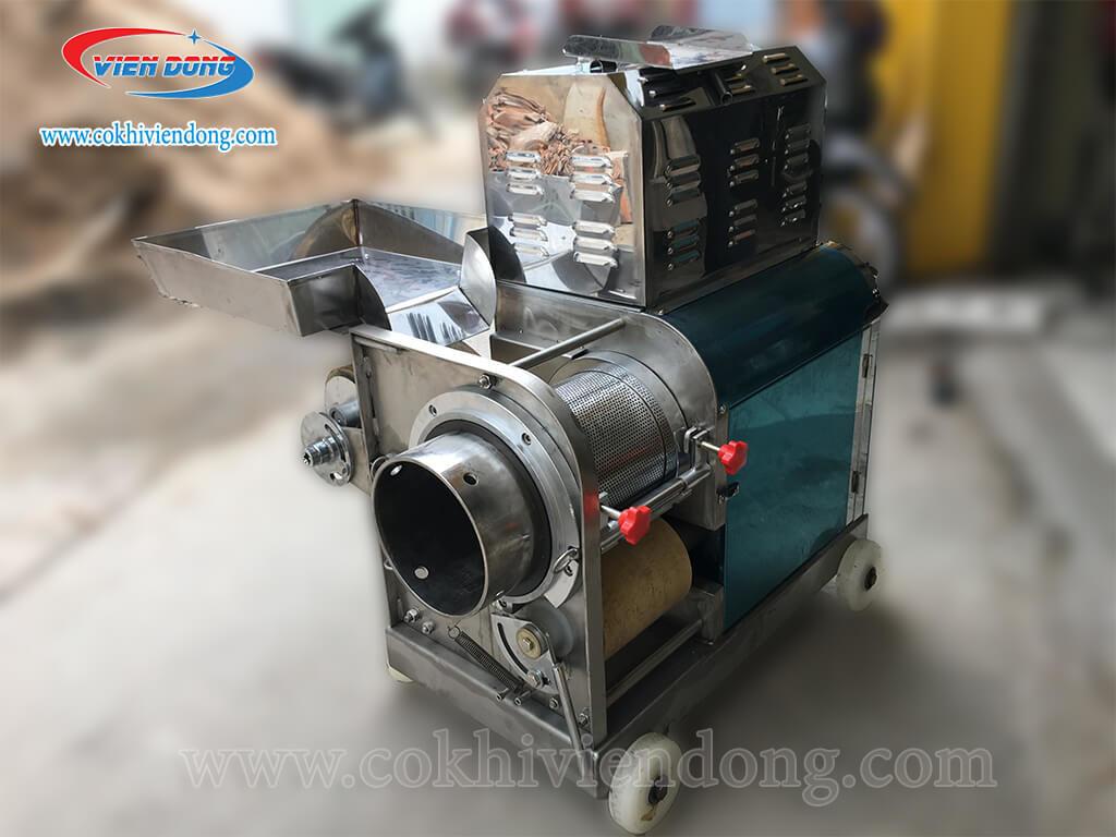 Chất liệu Inox 304 cao cấp của máy ép xương cá